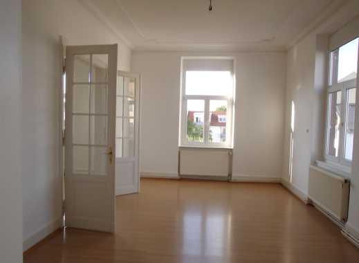 Großzügige & helle 4-Zimmer-Stilaltbau-Etagenwohnung