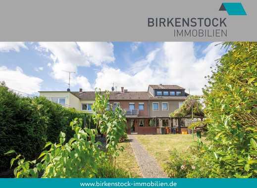 Reihenmittelhaus mit überdachter Terrasse und schönem Garten in Hürth-Berrenrath