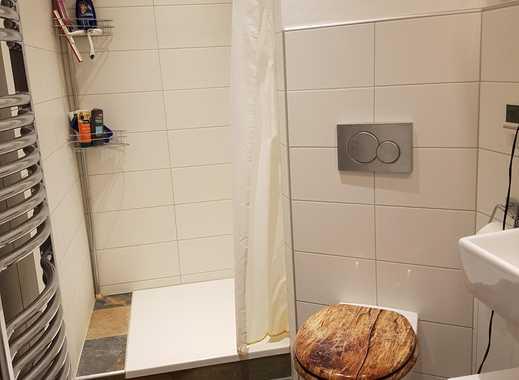 Großes Zimmer mit eigenem Bad in WG zur Zwischenmiete