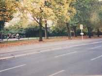 Bild Grundstück direkt am Tempelhofer Flugfeld (Eingang) an S- und U-Bahnhof
