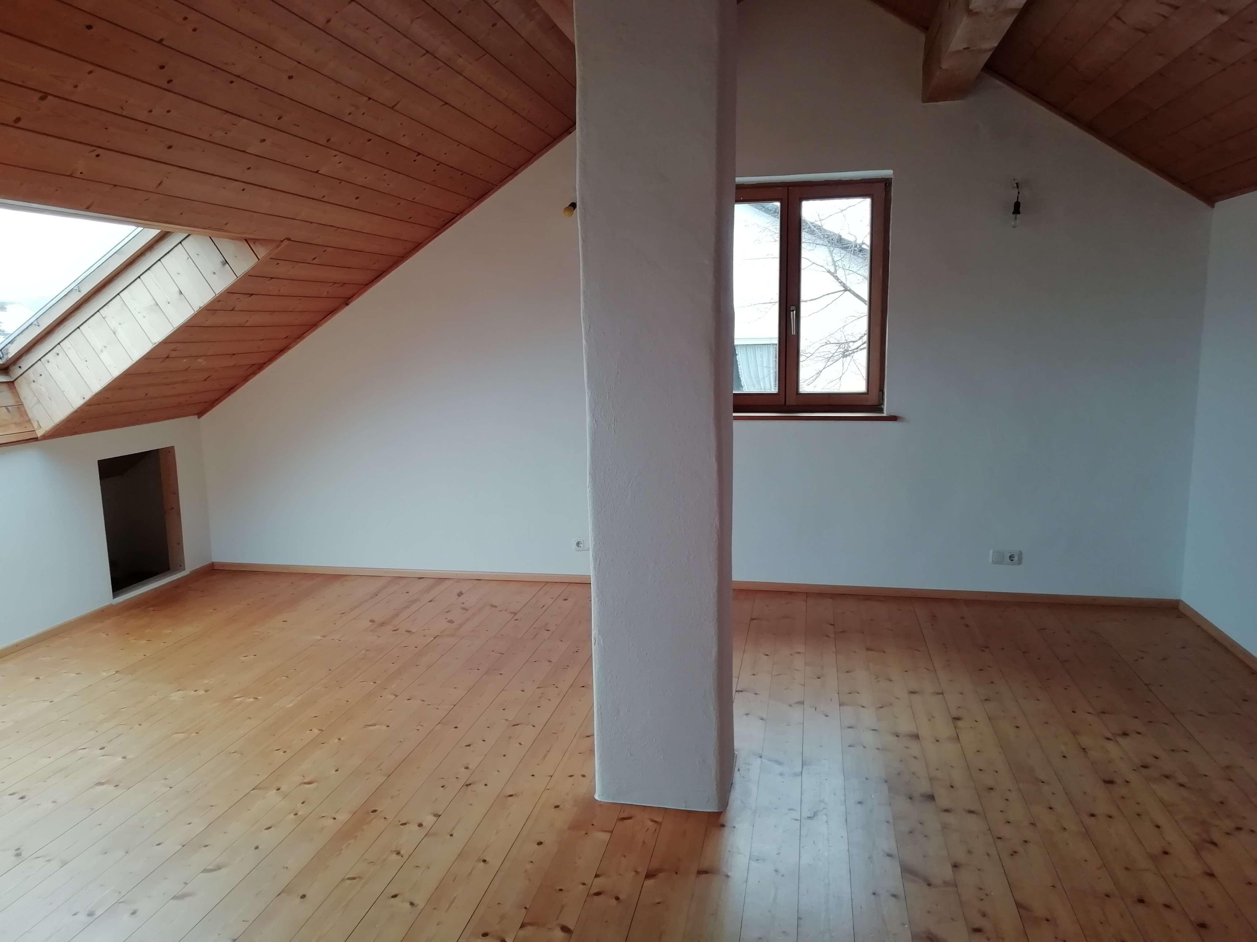 Gepflegte Wohnung mit vier Zimmern in Weilheim in