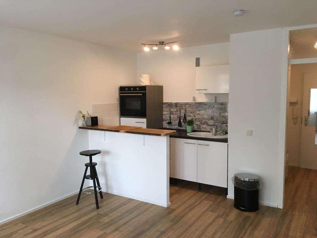 Neuwertig renoviertes, teilmöbliertes Apartment in guter Lage