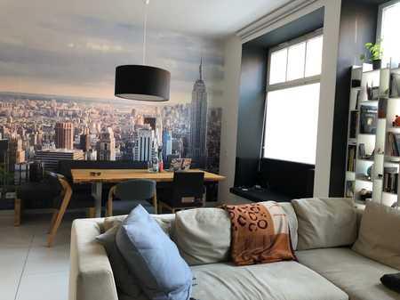Loftige 3,5 Zimmer Maisonette Wohnung mit Terrasse, teilmöbliert inkl. EBK in Gugelstraße (Nürnberg)