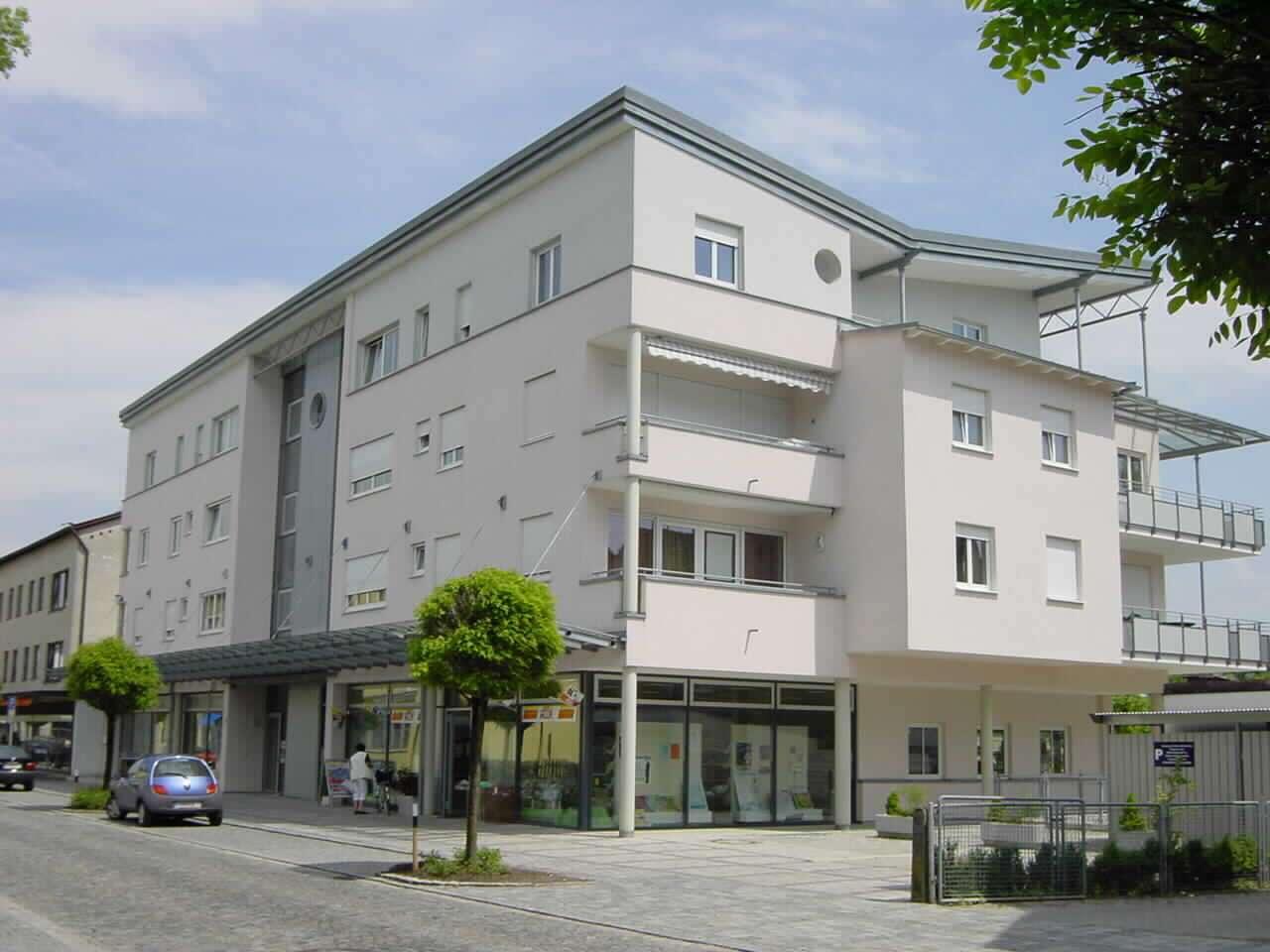 Sehr schöne - 3-Zimmer Dachterrassen-Wohnung / zentrale Lage in Simbach am Inn