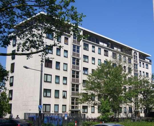 Frisch modernisierte Singlewohnung zwischen Theater und Schloss- Arkaden