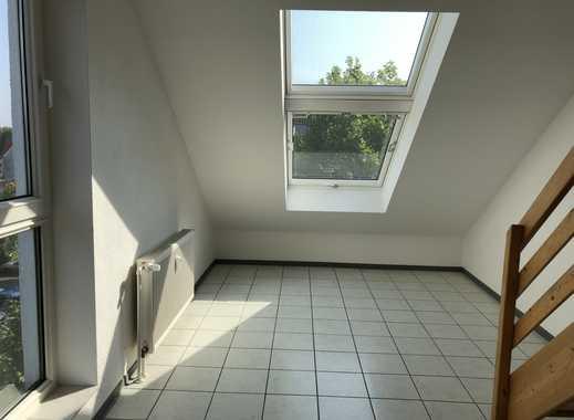 Helle Maisonette-Wohnung mit Dachterrasse für Studenten