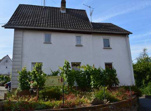 Einfamilienhaus mit kleinem Garten zum herichten/sanieren!