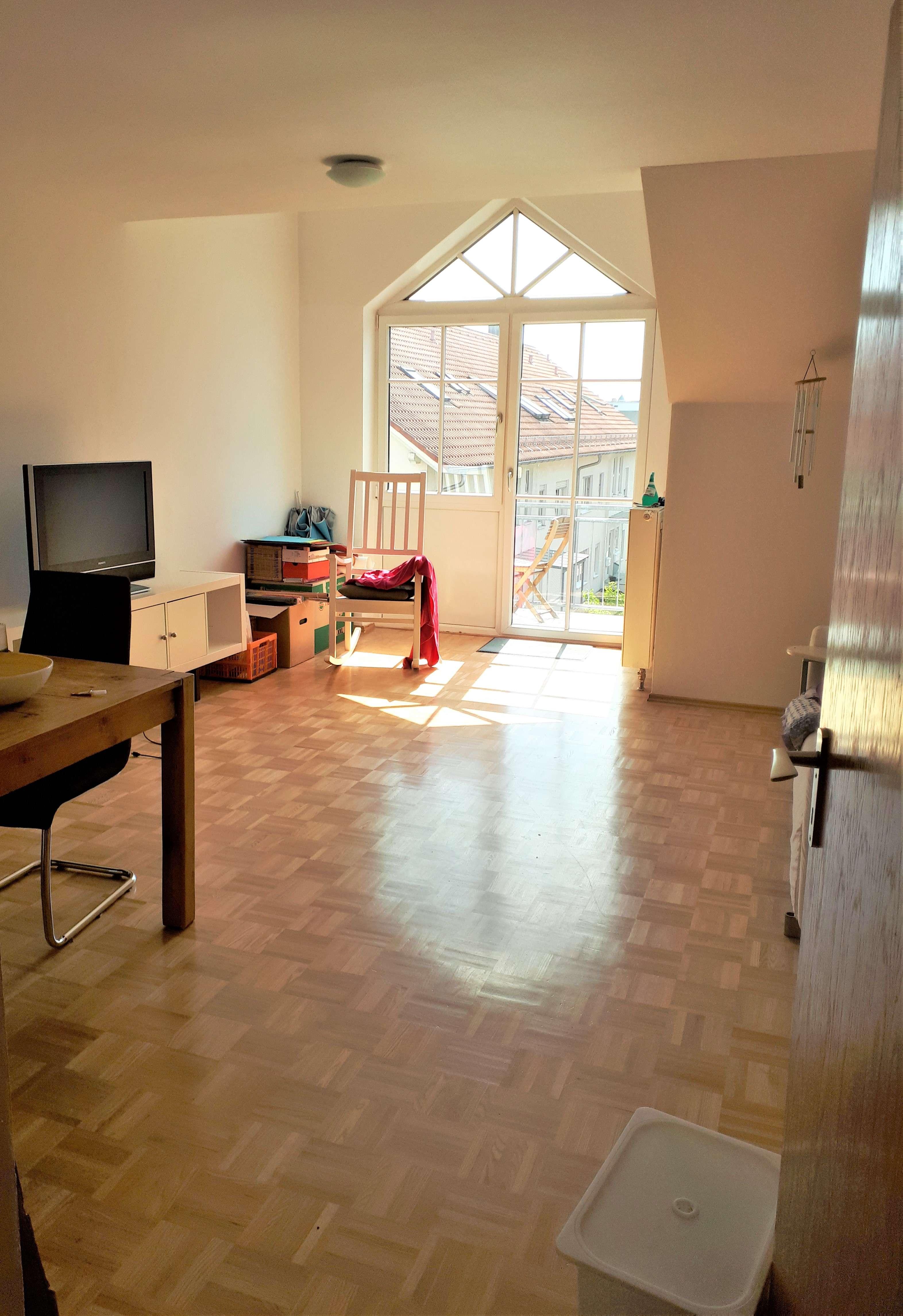 Neuwertige, große 3-Zimmer Wohnung mit idyllischem Südwest-Balkon in Kernstadt (Straubing)