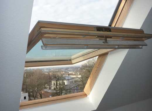Wow! - Süße DG-Wohnung mit Balken im Wohnzimmer und Bad mit Fenster