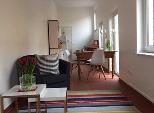 Living green: Ungewönliches, super gemütliches, möbliertes 1-Zimmer-Appartment mitten im Grünen