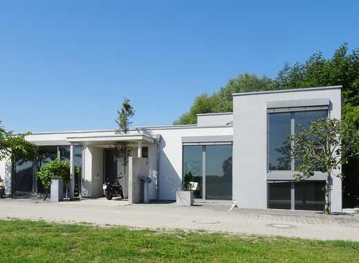 """Die Kunst einzigartig zu sein. Moderne Architektur in exklusiver Lage. Villa """"Am See""""."""