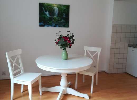 Möbliertes, helles Apartment in bevorzugter Stadtlage in Pempelfort