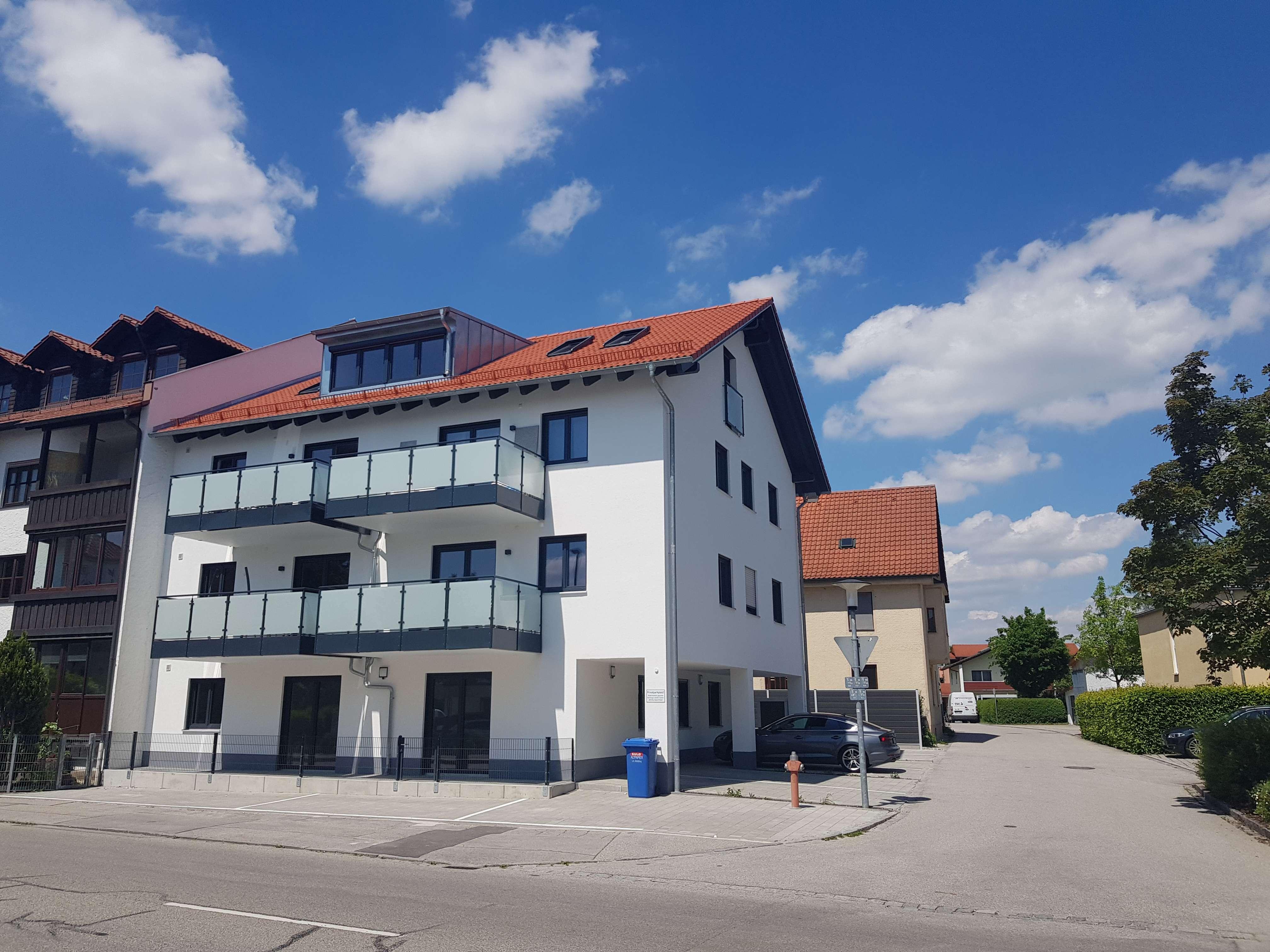 ... ERSTBEZUG - Neubau-3-Zi-Whg im EG mit EBK + Terrasse in zentrumsnaher Lage von Altötting...