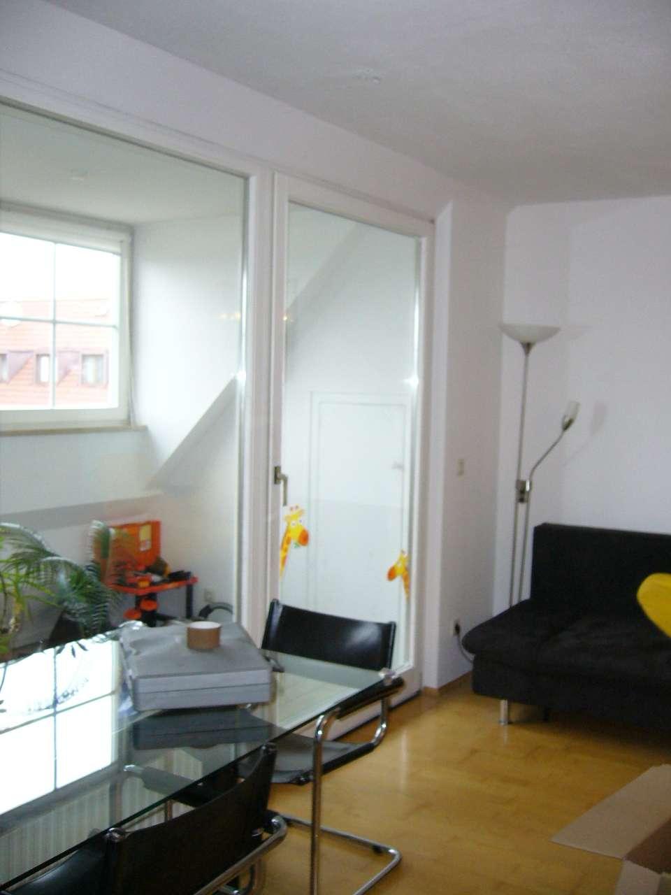 Ruhig gelegene und helle 3-Zimmer-Maisonette-Wohnung mit Wintergarten in München-Sendling
