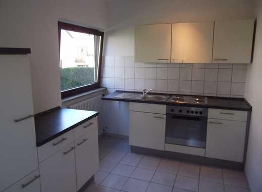 Schön ruhig gelegene 2 Zimmer-Wohnung in S-Stammheim 150 Meter zur Stadtbahn-Haltestelle !!!