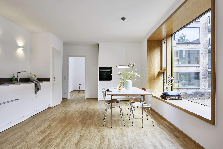 NEUBAU *** Exklusive 5-Zimmer Wohnung mit toller Ausstattung (z.B. Einbauküche, Parkett) im Park in Thon