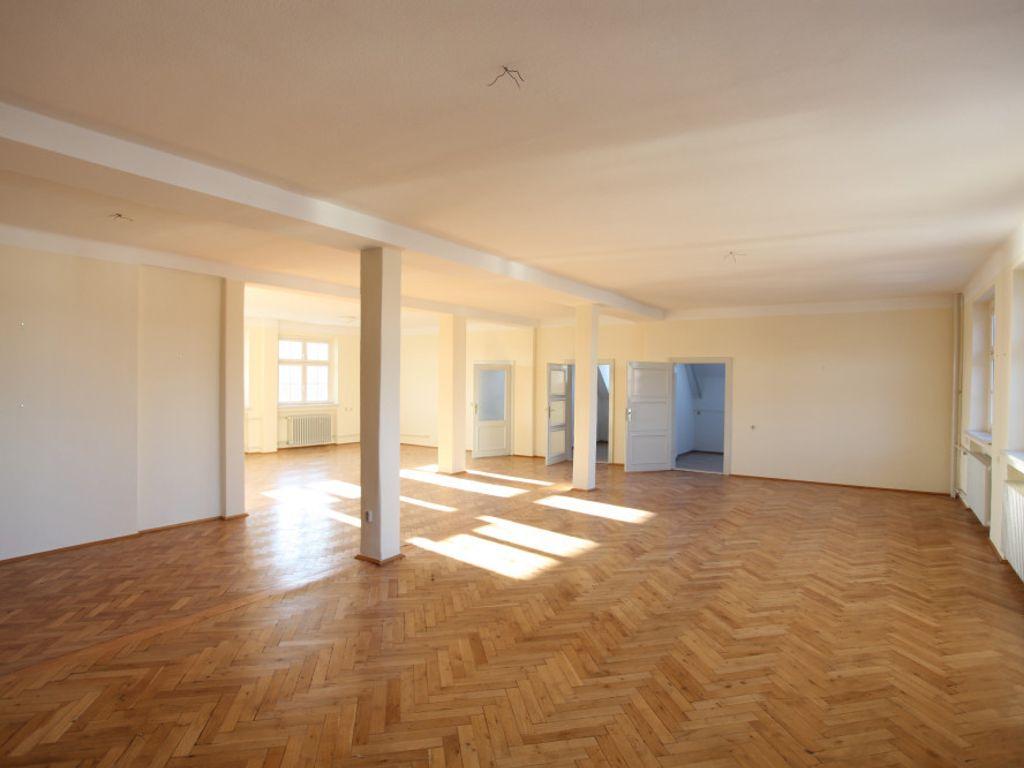 Großer Büroraum 202