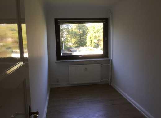 Erstbezug nach Sanierung: schöne 2,5-Zimmer-Wohnung mit Einbauküche in Iserbrook, Hamburg