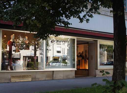 Schöne Ladenflächen in denkmalgeschütztem Haus zu vermieten