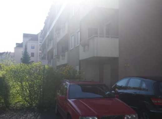 Außenstellplatz in zentraler Lage, hinter der Residenz