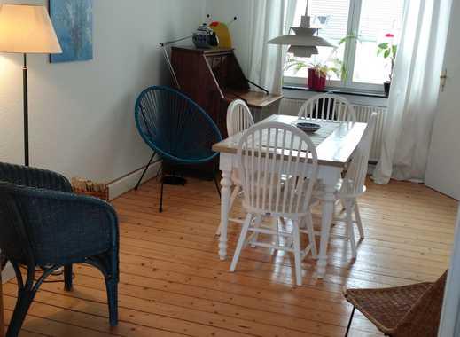 2 1/2 Zimmer Wohnung ,Altbau, Hohe Decken, Dielen, großer Südbalkon Nähe Überseestadt Bremen