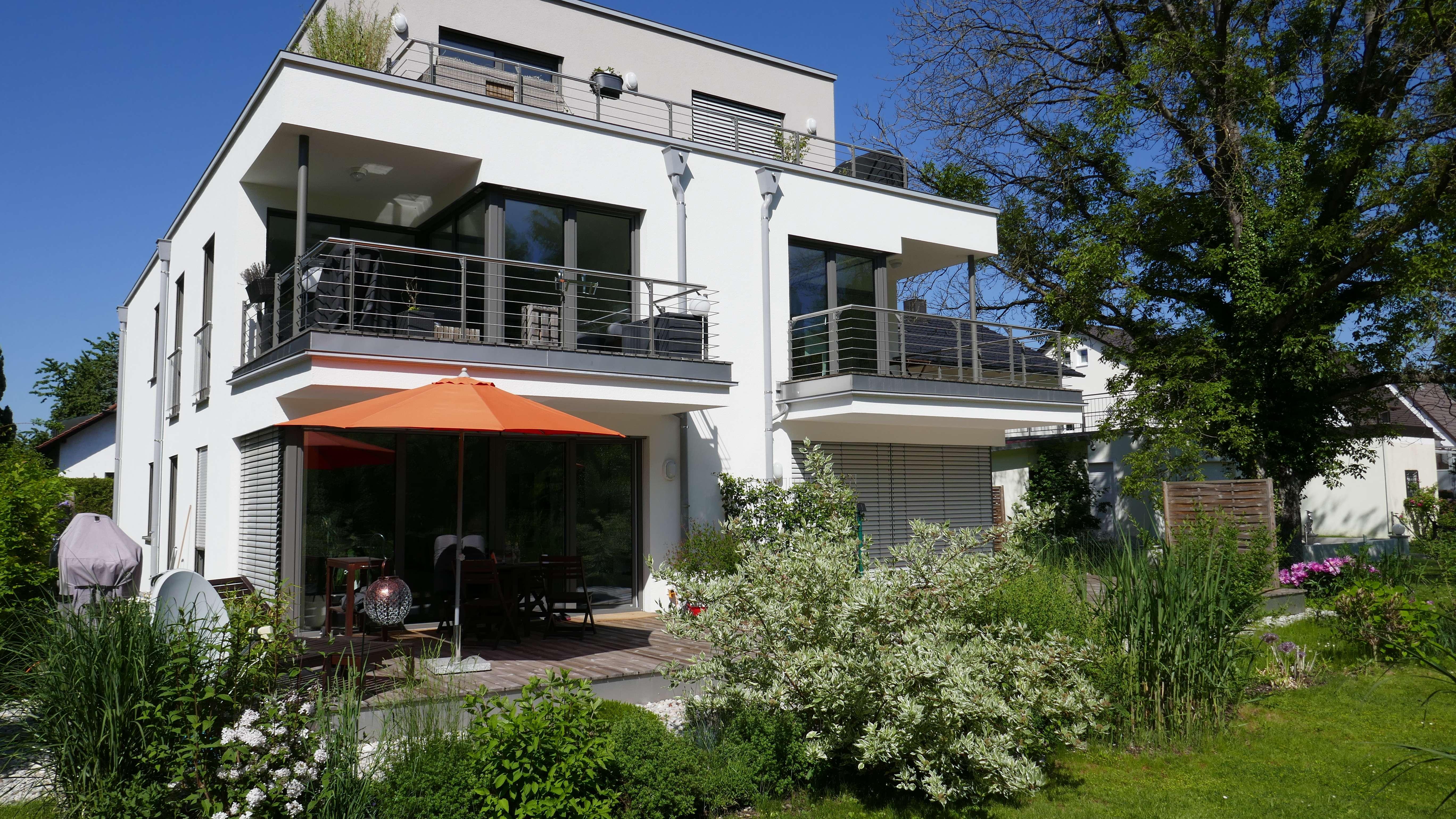 2 Zimmer Gartenwohnung mit Südterasse und Hobbyraum im modernen 5 Parteien-Energieffizienzhaus