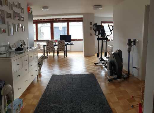 Großzügige und helle 2 2/2 Zimmer Wohnung in Poppenbüttel, Hamburg