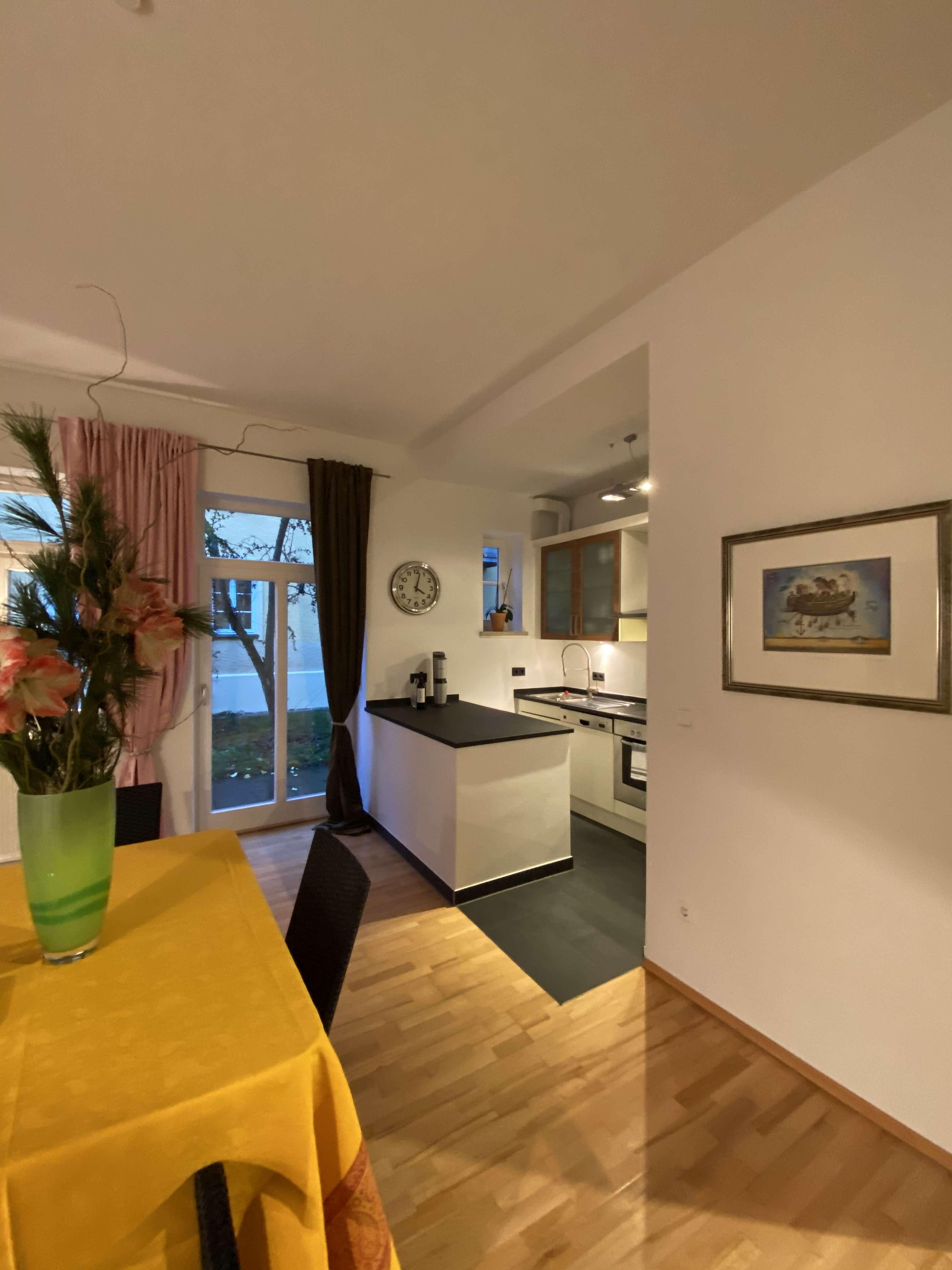 komplett möblierte, sehr ruhige Erdgeschosswohnung, gr.Terrasse und Garten neben Hessingparkklinik in