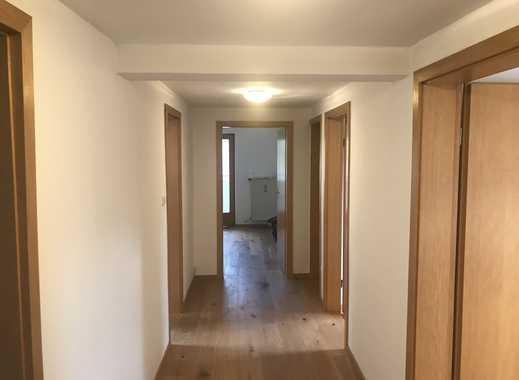 Neuwertige 3,5-Zimmer-DG-Wohnung mit Balkon in Kiefersfelden