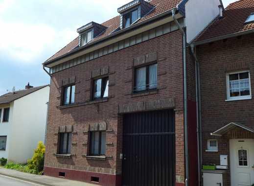 renovierte 2-Zimmerwohnung im Erdgeschoss (EBK, Kamin, neuer Bodenbelag)