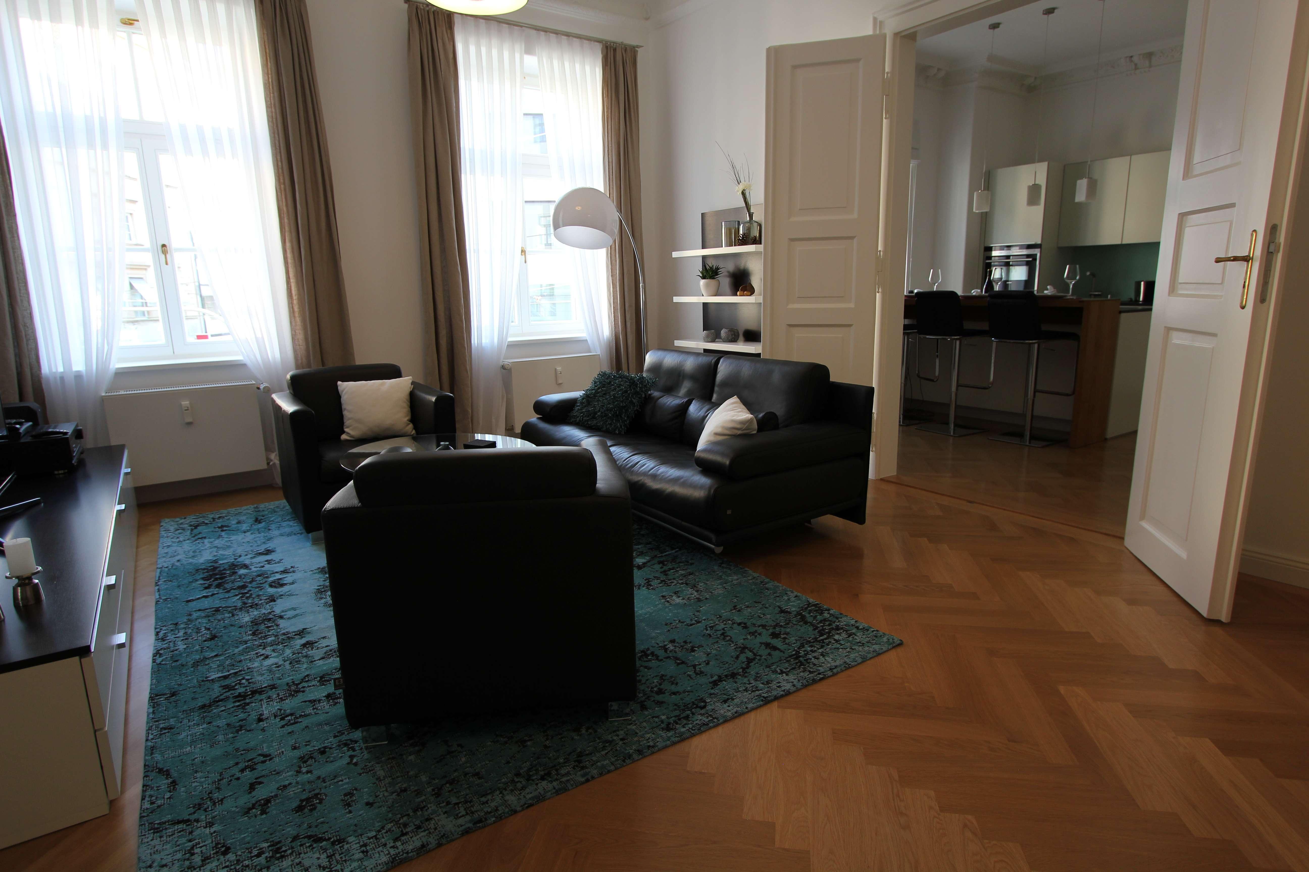 Exklusive, hochwertig möbilierte 2.5 Zimmer-Wohnung in Maxvorstadt, München in Maxvorstadt (München)