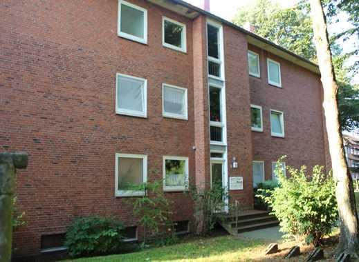 Helle Erdgeschoss Wohnung mit Balkon