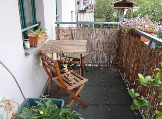 Ruhige, gepflegte, helle 2-Zimmer-Wohnung mit Balkon in Leipzig-Altlindenau