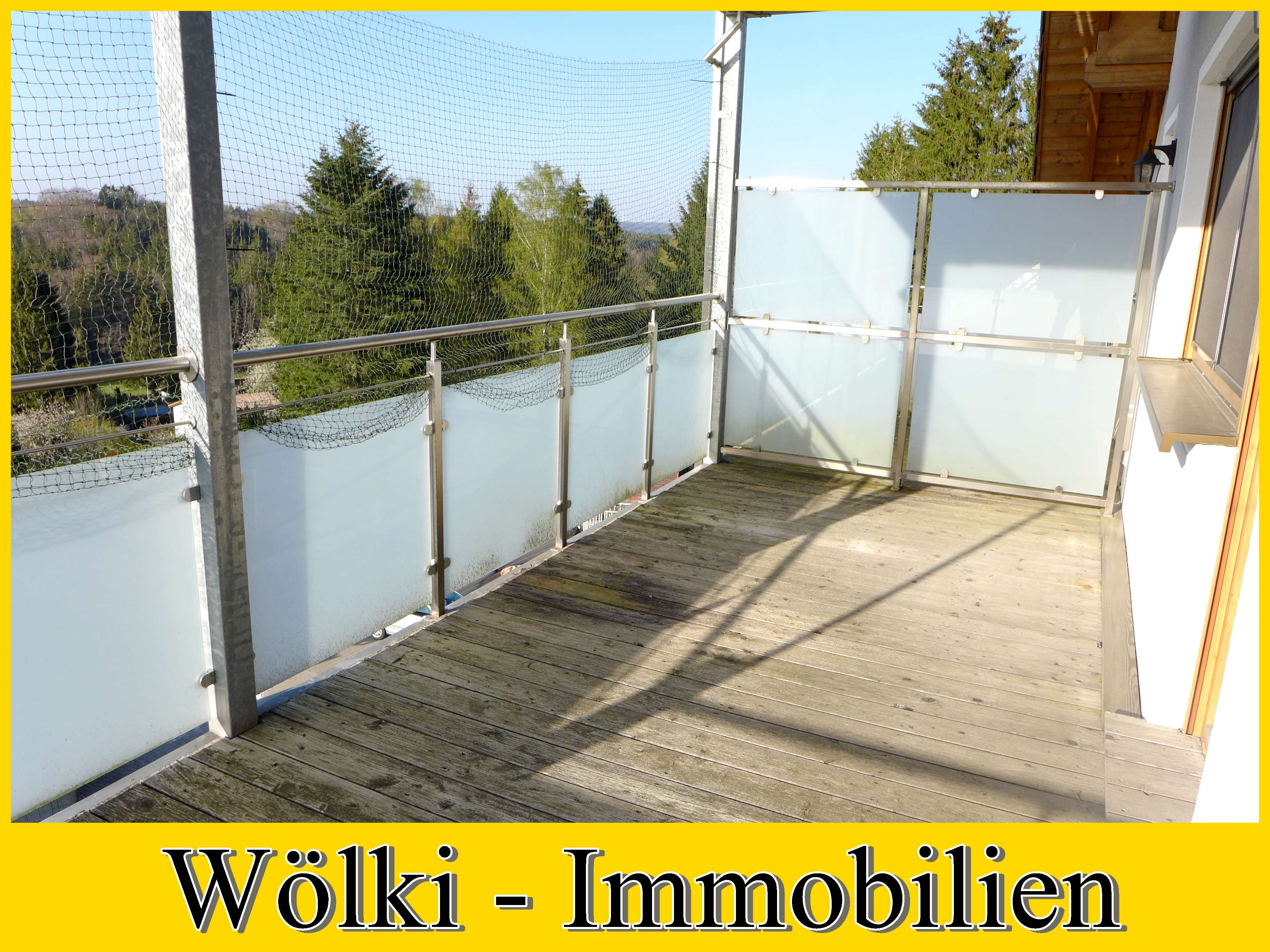 Provisionsfrei f.d. Mieter --- Zwei sehr große Balkone mit Panorama - Aussicht!