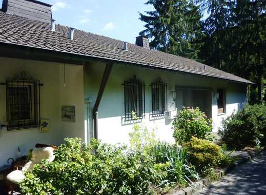 Siegen, großzügiges Wohnhaus, idyllisch und sonnig am Waldrand gelegen. /10 Gehminuten zum Bahnhof.