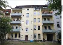 Schöne helle Altbauwohnung mit Balkon