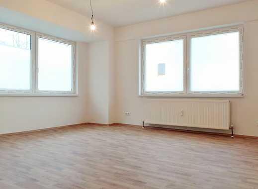Komplett kernsanierte 2 Zimmer-Erdgeschosswohnung in ruhiger und dennoch zentraler Lage