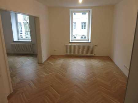 HOCHWERTIG SANIERTER ALTBAU. Exklusive 5-Zimmer-Altbauwohnung mit Fischgrätparkett und EBK im 1.OG in Haidhausen (München)