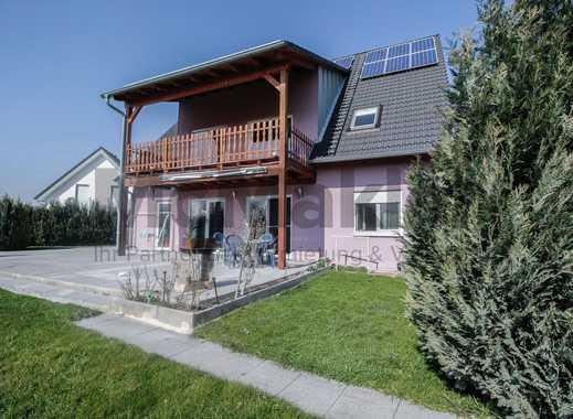 Ein Haus, viele Möglichkeiten: Großzügiges und top-gepflegtes EFH mit Garten, bis zu 3 WE nutzbar