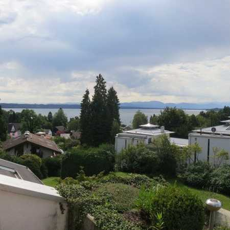 Großzügige 2-Zimmer-Maisonette-Wohnung mit See und Gebirgspanoramablick in Tutzing