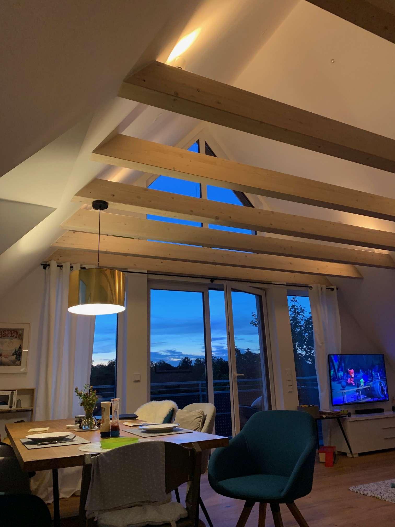 Hochwertige 4-Zimmer Maisonette Wohnung mit grossem Westbalkon und eigenem Gartenteil in Obermenzing in Obermenzing (München)
