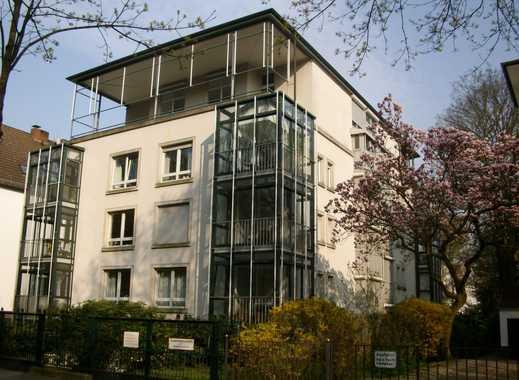 Vermietet!!!!!   Schöne Wohnung in der Parkallee Blick in den Bürgerpark, Fahrstuhl u. Tiefgarage!