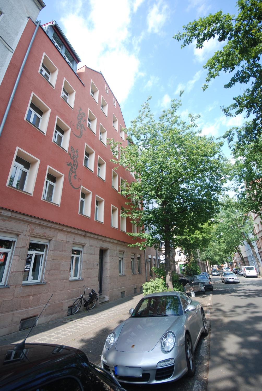 Top sanierter Altbau mit Balkon - ruhige Lage im Nibelungenviertel in Glockenhof (Nürnberg)