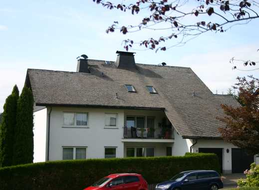Große, ruhige und helle Wohnung mit 6 Zimmern im 4 Familienhaus