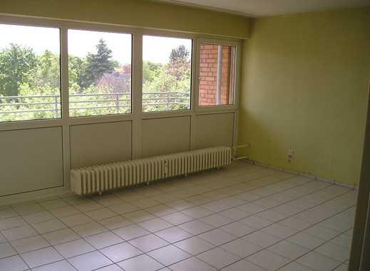 Gut geschnittene 4-Zimmerwohnung mit Aussicht und Aufzug, unrenoviert