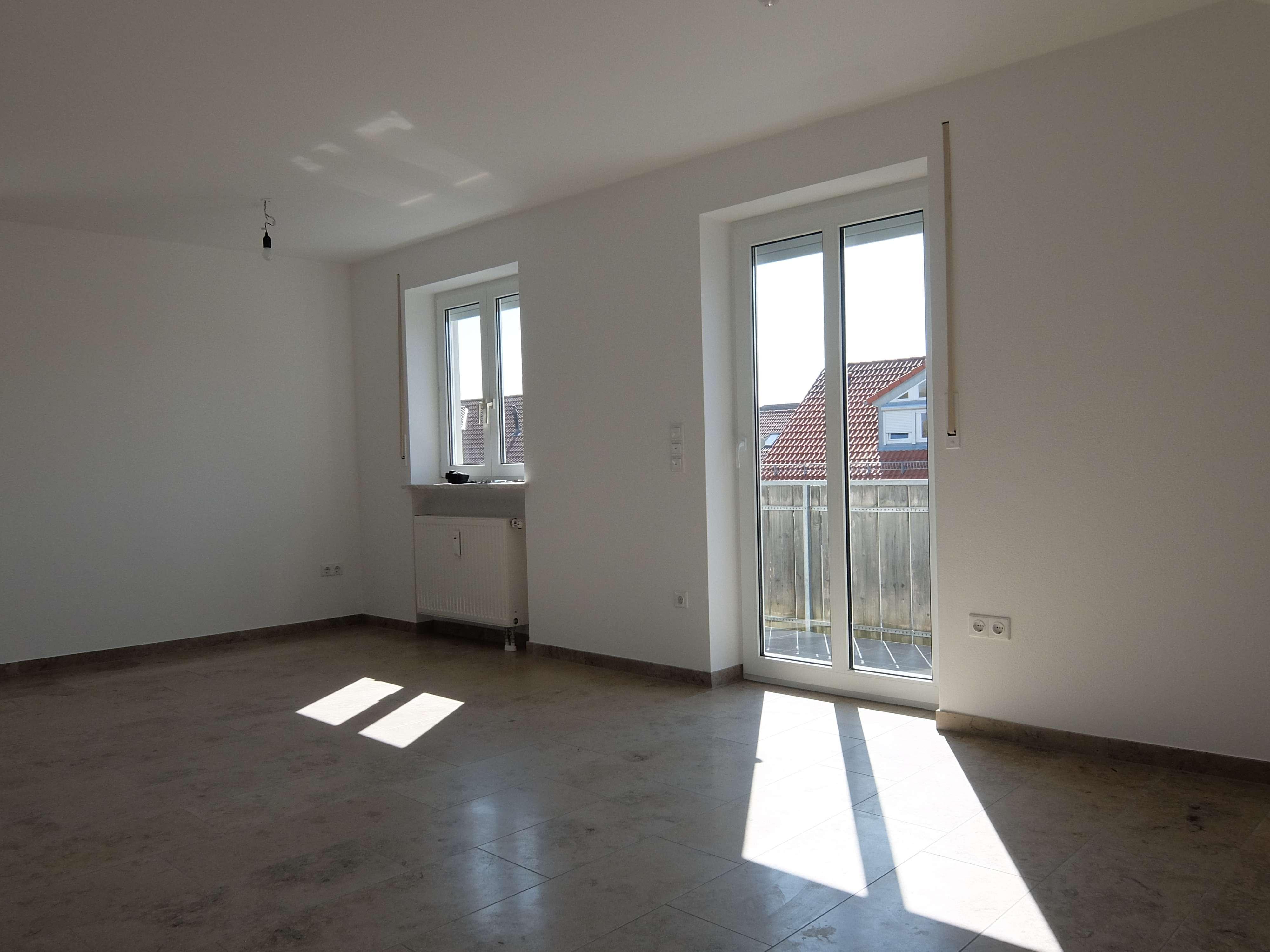 Sonnige 2-Zimmer Dachgeschosswohnung mit Balkon in FFB-PUCH in