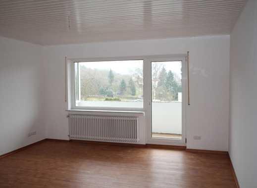 Top sanierte 3-Zimmer-Wohnung mit Balkon in ruhiger Anliegerstraße