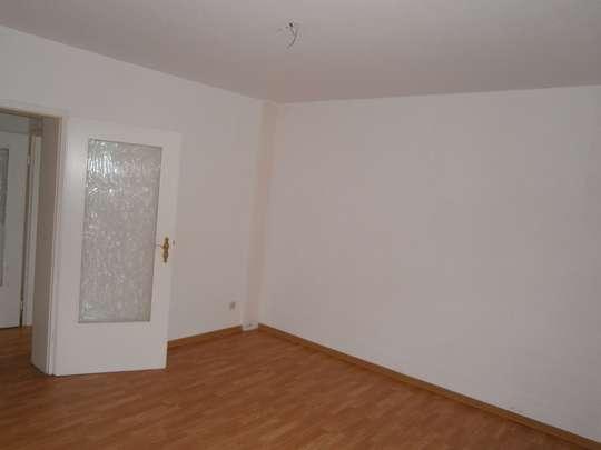 Sehr schöne, renovierte kleine 3-Raum Wohnung
