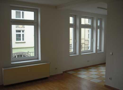 3 ZKB in zentraler Lage mit Balkon und Stellplatz zu vermieten !