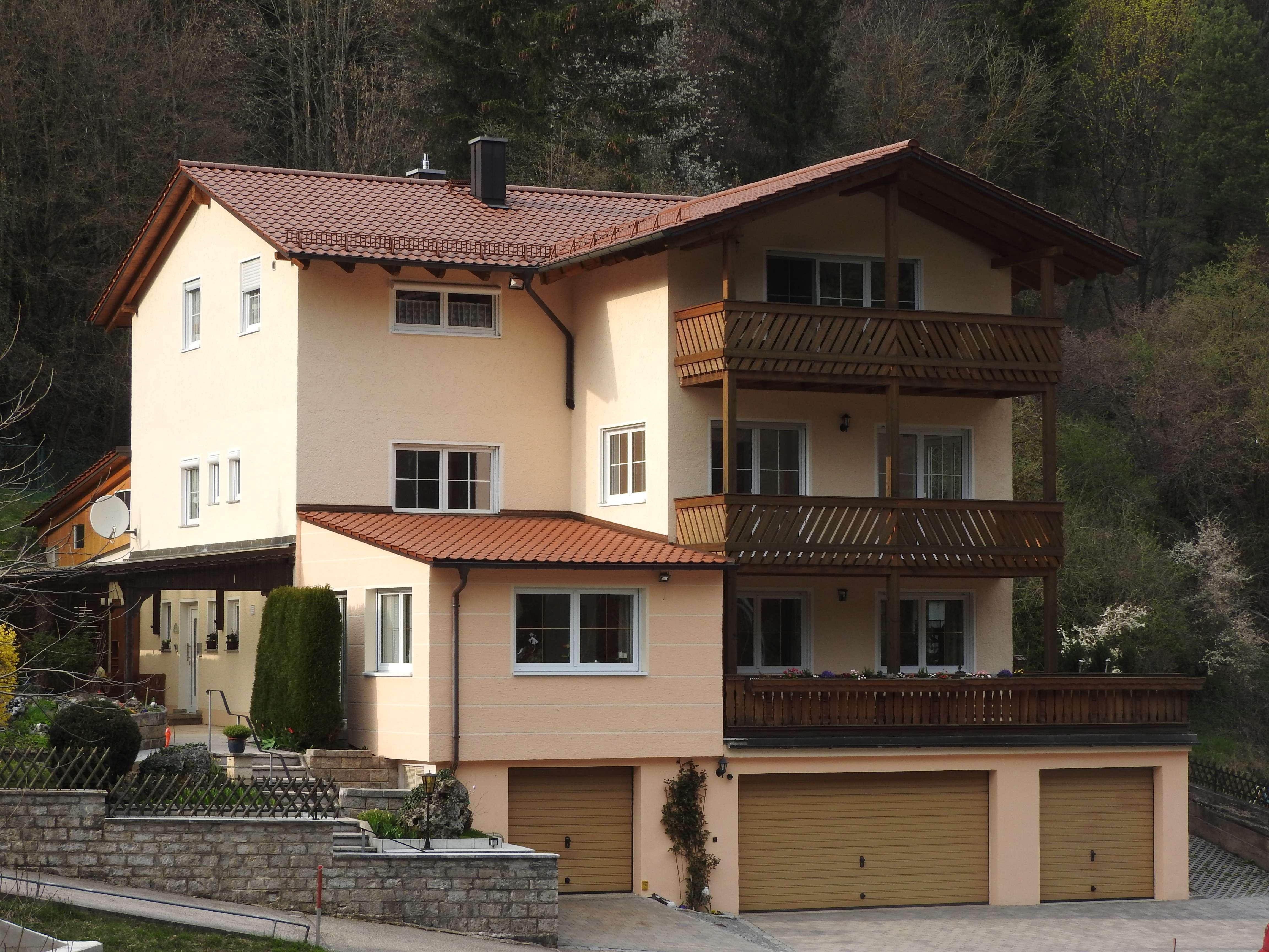 Attraktive 3-Zimmer-Wohnung mit Balkon und EBK in Riedenburg in